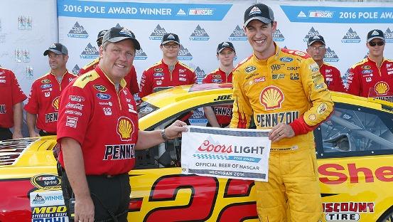 NASCAR Sprint Cup Series: Joey Logano marca a pole em Michigan