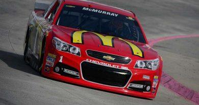 NASCAR Sprint Cup Series: Jamie McMurray marca a pole em Martinsville