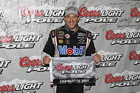 NASCAR Sprint Cup Series: Tony Stewart marca a pole em Charlotte