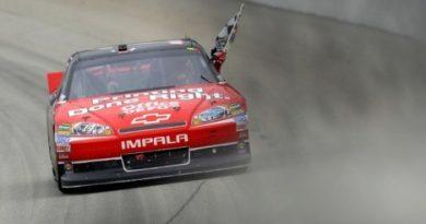 NASCAR Sprint Cup Series: Tony Stewart vence a primeira prova do Chase