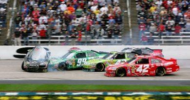 NASCAR Sprint Cup Series: Denny Hamlin vence pela segunda vez