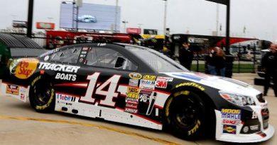 NASCAR Sprint Cup Series: Tony Stewart larga na pole no Texas