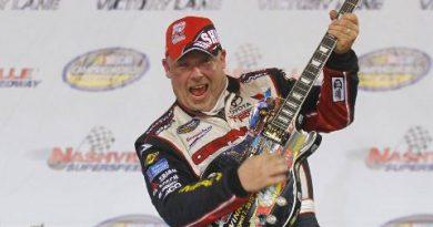NASCAR Camping World Truck Series: Todd Bodine vence em Nashville