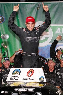NASCAR Truck Series: James Buescher vence em Chicago