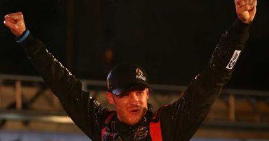 NASCAR Truck Series: Jeb Burton vence no Texas