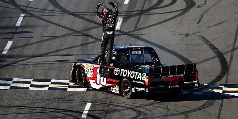 NASCAR Camping World Truck Series: Kyle Busch vence pela primeira vez em Martinsville