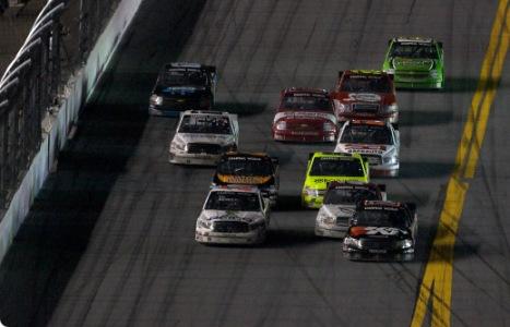 NASCAR Camping World Truck Series: Parceiro de equipe vence, e Nelsinho Piquet chega em 6º