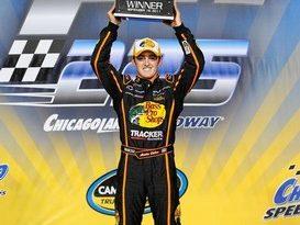 NASCAR Truck Series: Austin Dillon vence em Chicago. Nelsinho Piquet é 3º