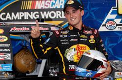 NASCAR Camping World Truck Series: Austin Dillon é pole no Texas. Nelsinho Piquet sai em 14º