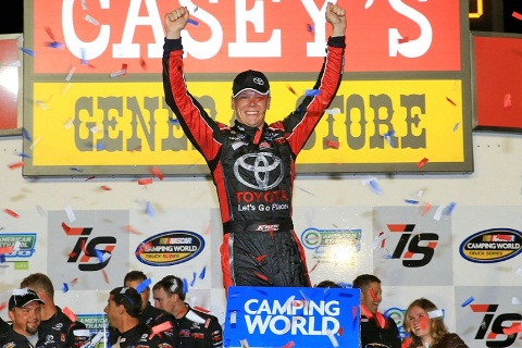 NASCAR Truck Series: Erik Jones vence em Iowa