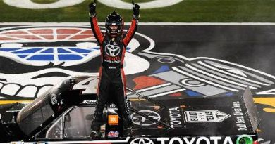 NASCAR Truck Series: Erik Jones vence no Texas