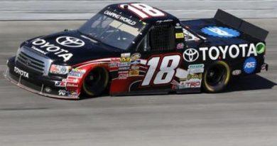 NASCAR Truck Series: Kasey Kahne vence em Darlington