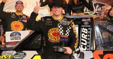 NASCAR Truck Series: Johnny Sauter vence no Texas