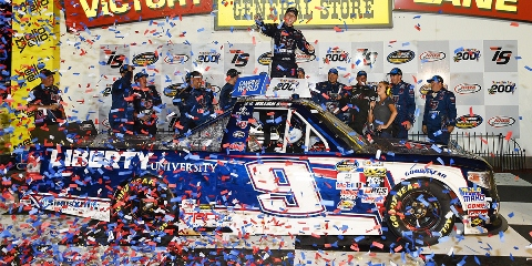 NASCAR Truck Series: William Byron vence a segunda consecutiva