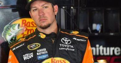 NASCAR Sprint Cup Series: Martin Truex Jr. marca a pole no Kansas