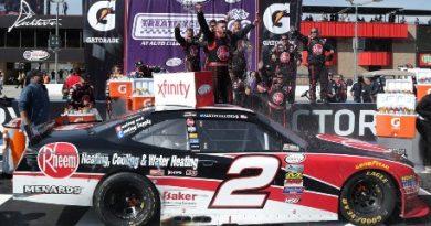 NASCAR XFINITY Series: Austin Dillon vence em Fontana