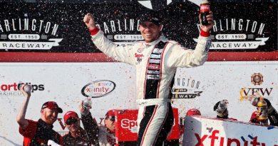 NASCAR XFINITY Series: Denny Hamlin vence em Darlington