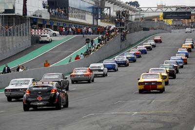 Old Stock Race: Provas levam o público novamente ao delírio em Interlagos