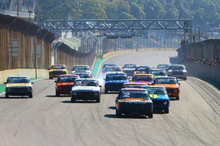 Old Stock Race: Quarta etapa com festa nas arquibancadas e show na pista