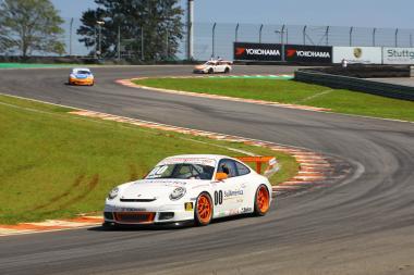 Porsche GT3 Cup: Constantino vence a terceira do ano
