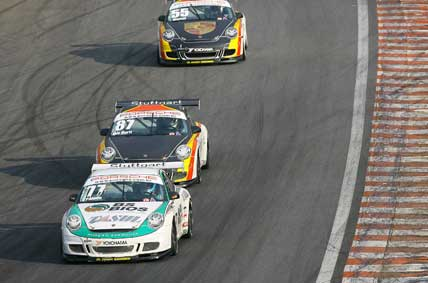 Porsche Cup: Miguel Paludo vence e é o novo líder