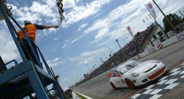 Porsche GT3 Cup: Constantino vence duelo com Paludo em Curitiba