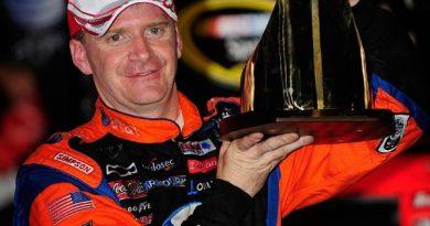 Nascar Sprint Cup Series: Jeff Burton vence em Lowes