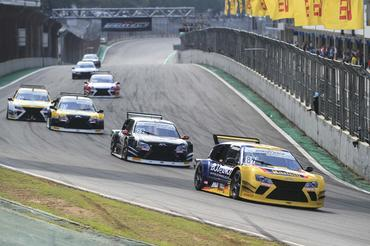 Sprint Race: Catarinenses Berlanda Jr e Jorge Martelli vencem corrida final em Interlagos