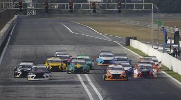 Sprint Race: Em corrida histórica e inédita, chega ao fim a primeira metade da temporada