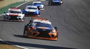 Sprint Race: pilotos protagonizaram um belíssimo espetáculo em Interlagos neste domingo