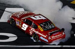Nascar Sprint Cup: Kasey Kahne vence a Coca-Cola 600