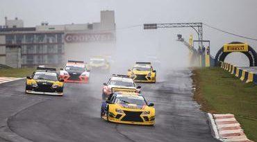 Sprint Race: Margiota vence na PRO e Buschmann na GP na primeira corrida deste domingo
