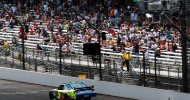Nascar Sprint Cup Series: Mark Martin marca a pole-position no Indianápolis Motor Speedway
