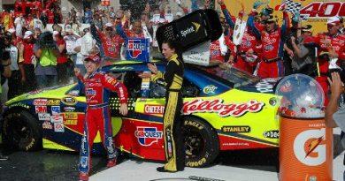 Nascar Sprint Cup Series: Mark Martin vence em Michigan