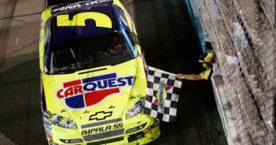 Nascar Sprint Cup Series: Mark Martin acaba com jejum de 97 corridas sem vitória