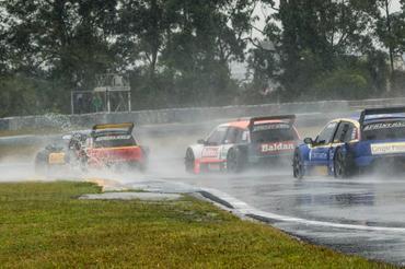 Sprint Race: Jorge Martelli (GP) e Raphael Campos (PRO) vencem primeira corrida da quinta etapa