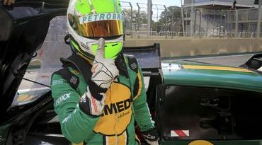 Sprint Race: Na busca do título, Pietro Rimbano (PRO) faz a pole. Na GP, Marcus Peres é o primeiro