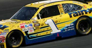 Nascar Sprint Cup Series: Martin Truex Jr. sai na pole em Phoenix