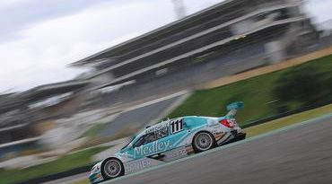 Stock: Rubens Barrichello lidera terceiro treino livre