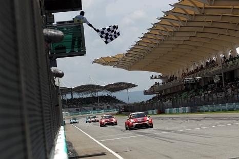 TCR International Series: Stefano Comini e Jordi Gene são os primeiros vencedores