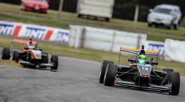 Toyota Racing Series: Piquet vence GP da Nova Zelândia. Primos Baptista termina em 14º e 15º