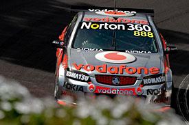 V8 Supercars Australia: Craig Lowndes e Mark Winterbottom vencem em Launceston