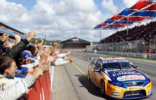V8 SuperCars Australia: Jamie Whincup e Will Davison vencem na abertura em Adelaide