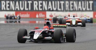F-Renault: Marcos Martinez assume a liderança isolada da World Series. Pantano sobe ao pódio no Mégane Trophy Eurocup