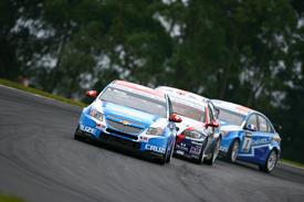 WTCC: Chevrolet domina provas em Curitiba