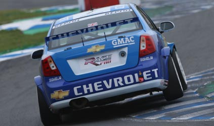 WTCC: Robert Huff sai na pole em Oschersleben