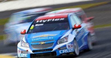 WTCC: Yvan Muller e Robert Huff empatados no liderança do campeonato