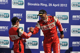 WTCC: Gabriele Tarquini e Robert Huff vencem na Eslováquia