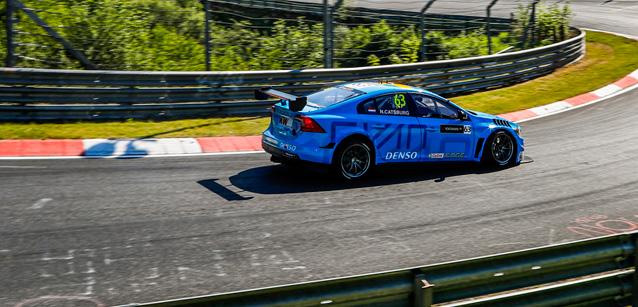 WTCC: Volvo domina etapa no Nürburgring Nordschleife