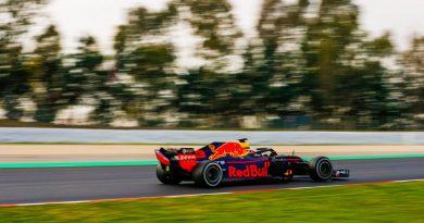 F1: Daniel Ricciardo coloca a Red Bull na frente no primeiro dia de testes da Pré-Temporada